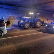 Ivre, le conducteur d'un tracteur tente de semer la gendarmerie