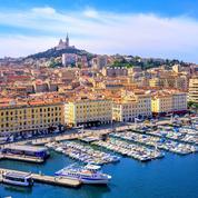 Marseille : baignade dans le bassin du Mucem pour dénoncer la «pénurie» de piscines