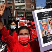 Birmanie : six manifestants tués et six journalistes arrêtés