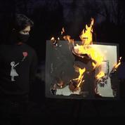 Fantôme dans la machine : une gravure de Banksy brûlée devient une authentique œuvre numérique