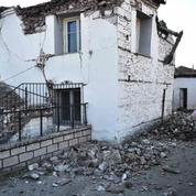 Grèce: près de 900 maisons inhabitables après le séisme