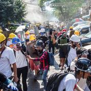 Birmanie : trois manifestants tués, des dizaines de jeunes encerclés par les forces de sécurité à Rangoun