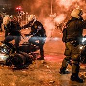 Dix policiers blessés et seize interpellations en marge d'une manifestation à Athènes