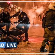 Grèce : heurts entre manifestants et police à Athènes, un policier blessé