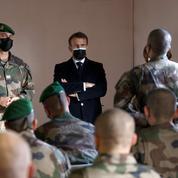 Emmanuel Macron naturalise cinq légionnaires qui ont «choisi les valeurs de la France»