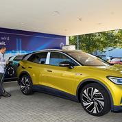 Batteries électriques : le fabricant suédois Northvolt reçoit une commande géante de Volkswagen