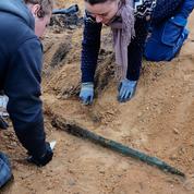 Une épée de l'âge du bronze exhumée dans un très bon état d'un chantier archéologique danois