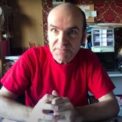 Lewis Trondheim renvoie sa médaille de Chevalier des Arts et des Lettres de façon théâtrale