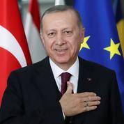 La livre turque plonge de 17% après le limogeage du chef de la banque centrale