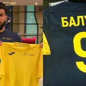 L'histoire rocambolesque des maillots du footballeur Farès Bahlouli