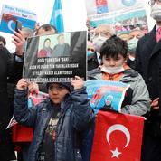 Turquie : manifestation d'Ouïgours contre la visite du chef de la diplomatie chinoise