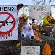 États-Unis : au lendemain des tueries de masse, le contrôle des armes à feu s'assouplit