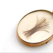 Une mèche de cheveux de Napoléon mise en vente à prix d'or