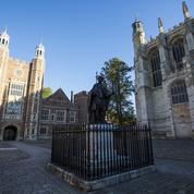 Agressions sexuelles : la police britannique enquête après des milliers de témoignages d'élèves