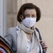Parly au Mali avec des Européens, en pleine polémique sur des frappes