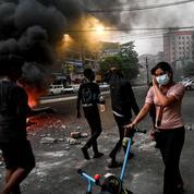 Birmanie : les États-Unis ordonnent à leurs diplomates non essentiels de quitter le pays
