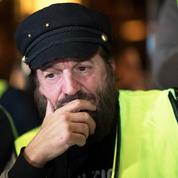 Francis Lalanne veut la «destitution» d'Emmanuel Macron ; l'enquête classée sans suite