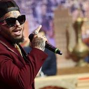 Swagg Man, le rappeur qui brûlait les billets de 500 euros, suspecté d'avoir extorqué 1,5 million