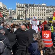 «La réouverture mi-mai ? Personne n'y croit !» : à Paris, les intermittents répondent à Macron