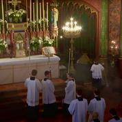 Une enquête ouverte après une messe sans respect des consignes sanitaires à Paris