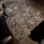 La dalle de Saint-Bélec, vieille de 4000 ans, serait la plus ancienne carte en Europe