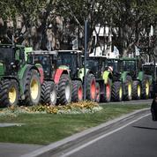 PAC: des agriculteurs avec une centaine de tracteurs manifestent à Toulouse