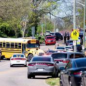 États-Unis: au moins un mort et un blessé par balle dans un lycée du Tennessee