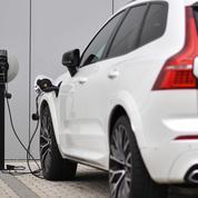 Véhicules électriques: l'UE doit accélérer l'installation des bornes de recharge, selon la Cour des comptes