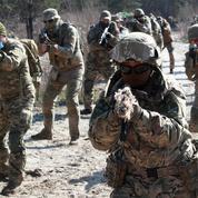 Biden et Merkel demandent à la Russie de réduire ses troupes à la frontière ukrainienne