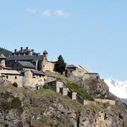 Une forteresse du XIIIe siècle, renforcée par Vauban, vendue 661.000 euros dans les Hautes-Alpes