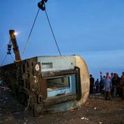 Accident de train dimanche en Égypte: 23 morts selon un nouveau bilan