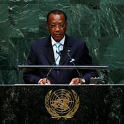 Le président français arrive au Tchad pour les funérailles de Déby