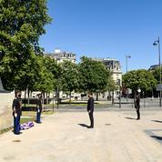 Génocide arménien : Macron se recueille devant un mémorial à Paris