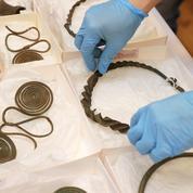 Un trésor vieux de plus de 2500 ans découvert par un promeneur en Suède