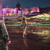 La toiture de protection d'un temple aztèque à Mexico s'effondre sous le poids de la grêle