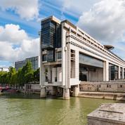 Sous-traitance privée : la France brade-t-elle son service public ?