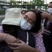 Thaïlande : l'une des têtes de file de la contestation pro-démocratie libérée sous caution