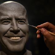 Le musée Grévin rouvre avec son Biden de cire et Macron en chair et en os