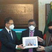 Covid : la Chine fait don de vaccins au Sénégal et au Bangladesh
