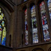 La cathédrale de Metz fête ses 800 ans avec l'installation de nouveaux vitraux