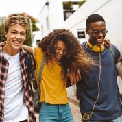 Supermarchés, fast-food, mode éphémère : ce que consomment les adolescents français