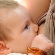 Bordeaux : une maman giflée «en pleine poire» pour avoir allaité en public