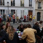 Première soirée en terrasse: un air d'insouciance souffle pour les Parisiens