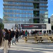Les Parisiens se pressent à l'ouverture des cinémas pour la première séance de 8h