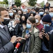 Covid-19 : il faudra garder le masque «au moins jusqu'à la fin du mois de juin», estime Emmanuel Macron