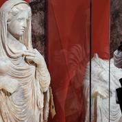 Le Louvre expose des œuvres pillées pour alerter sur le trafic de biens culturels