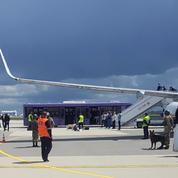 La Lettonie interdit l'accès à son espace aérien aux compagnies qui survolent la Biélorussie