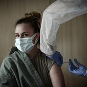 Covid-19 : tous les Français majeurs peuvent désormais prendre rendez-vous pour se faire vacciner