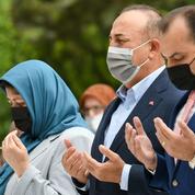 Le ministre turc des Affaires étrangères rend une visite controversée à une minorité musulmane en Grèce