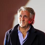 Richard Anconina va faire ses vrais débuts au théâtre dès la rentrée prochaine